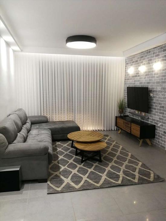 דירה למכירה 4 חדרים בשדרות דרך מנחם בגין הכרמים