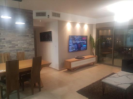 דירה למכירה 4 חדרים בחולון נעמי שמר ח 300