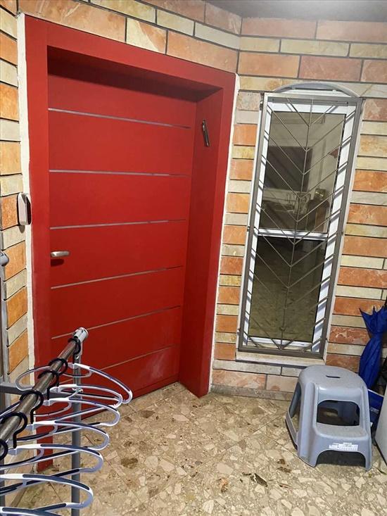 דלת ראשית של הבית