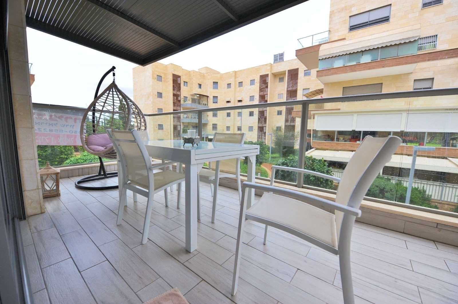 דירה למכירה 4 חדרים בראשון לציון יונה בוגלה