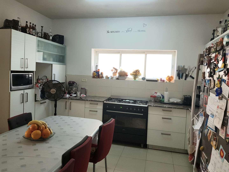 דירה למכירה 5 חדרים בחולון צפת