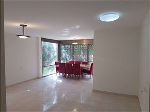 דירת גן למכירה 4 חדרים בהרצליה חנה סנש