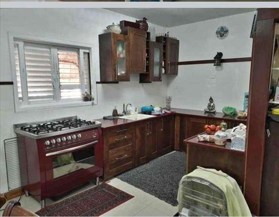 דירה למכירה 4 חדרים בפתח תקווה  אורלוב זאב קרול
