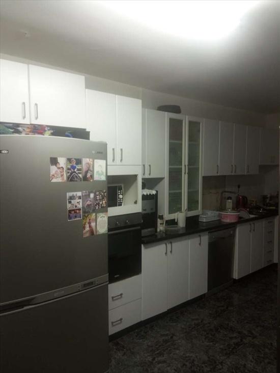 דירה למכירה 5 חדרים בלוד הרב קוק מרכז