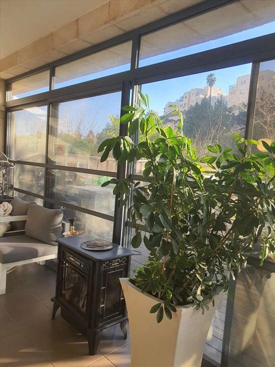 דירת גן למכירה 7 חדרים בירושלים קוסטה ריקה גבעת משואה
