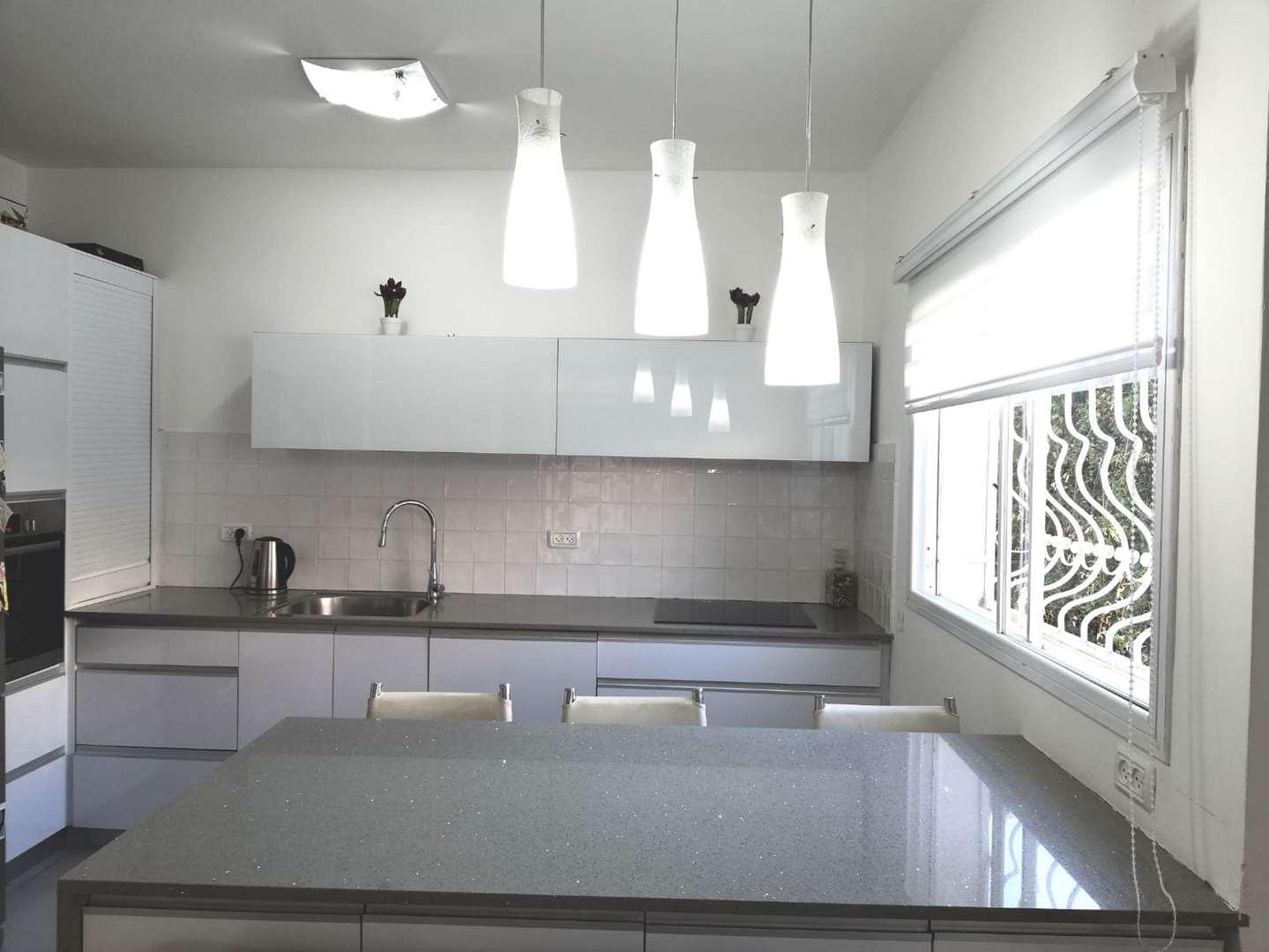 דירה למכירה 4 חדרים בחיפה אלתר