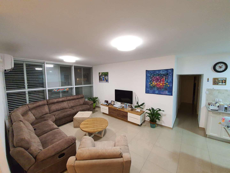דירה למכירה 5 חדרים ברעננה רמב''ם