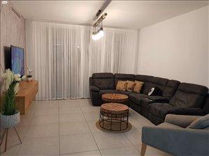 דירה למכירה 4 חדרים בקרית גת שדרות אבני החושן