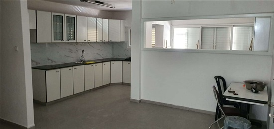 דירה למכירה 4 חדרים בחולון אילת