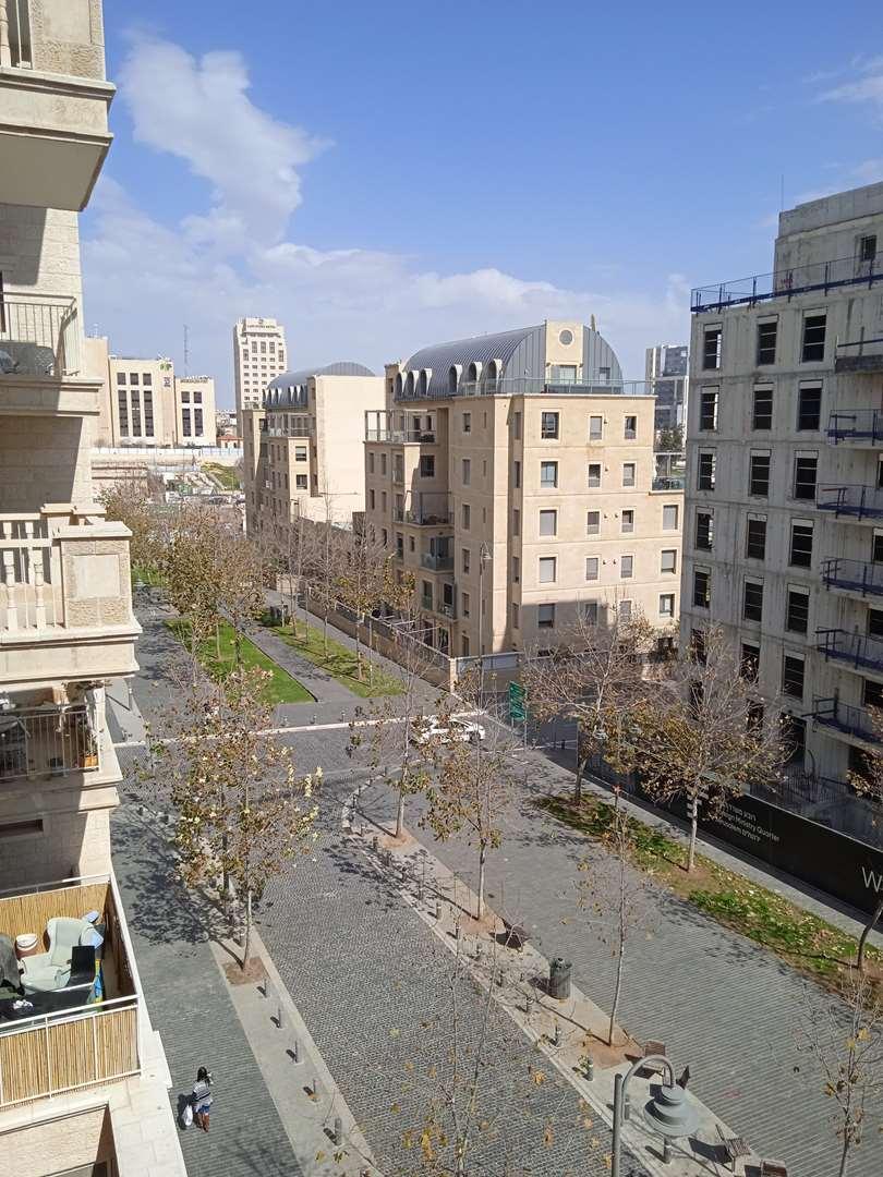 דירה למכירה 4.5 חדרים בירושלים  אבא אבן  קרית הלאום