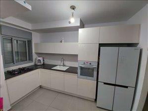דירה למכירה 5 חדרים בטירת כרמל יצחק שמיר