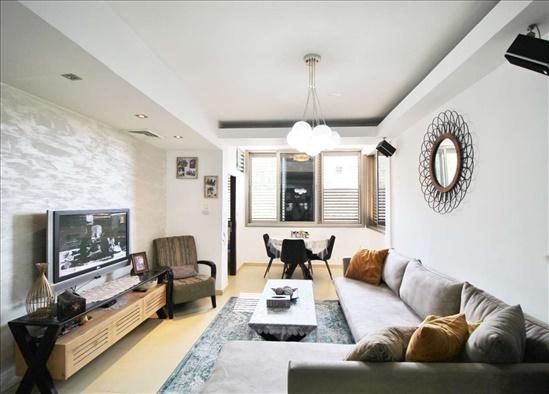 דירה למכירה 3.5 חדרים בתל אביב יפו ציהתל''י צהלון