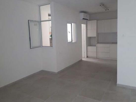 דירה למכירה 5 חדרים ברעננה שברץ 22 צפון מזרח רעננה