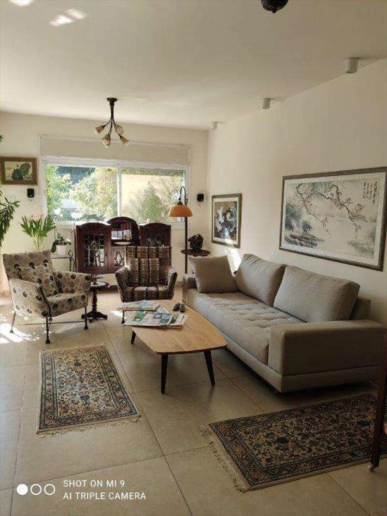דירת גן למכירה 5 חדרים בהוד השרון האודם גרין פארק