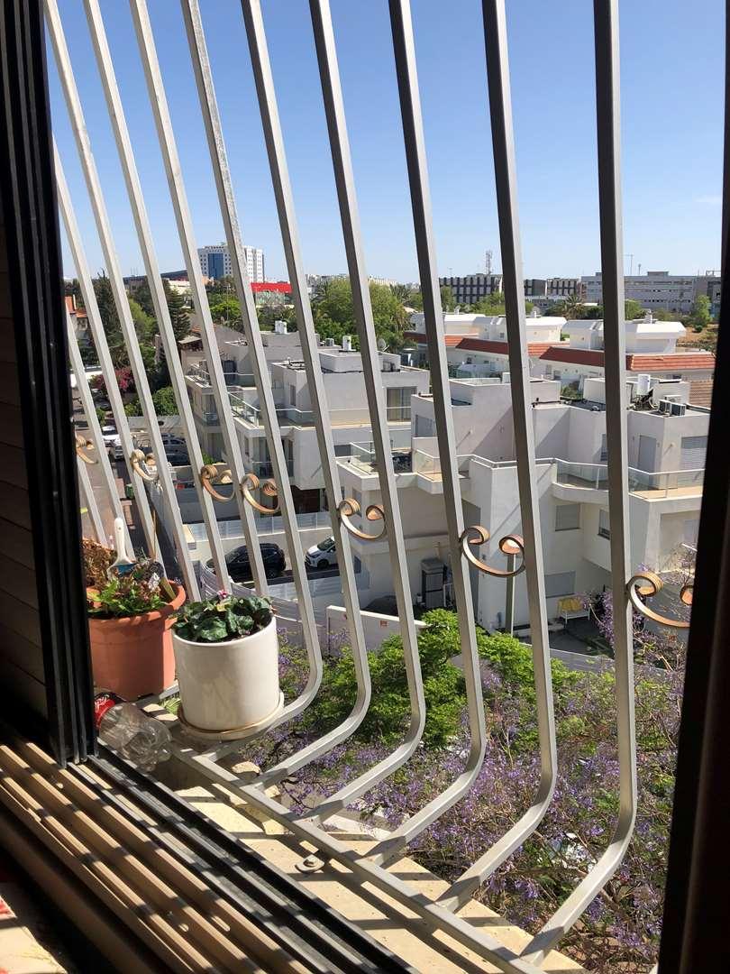 דירה למכירה 4 חדרים בחולון דוד צדוק קרית בן גוריון