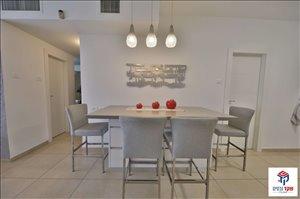 דירה למכירה 4 חדרים בחיפה הרב אריה לוין