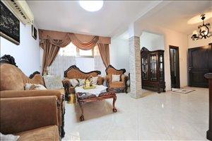 דירת גן למכירה 7 חדרים בתל אביב יפו  הרבי