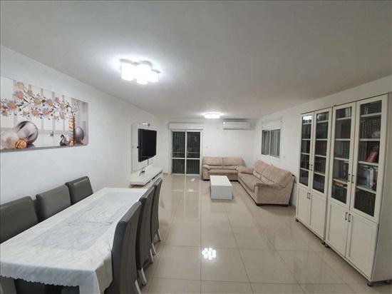 דירה למכירה 4 חדרים בירושלים התותחן פסגת זאב