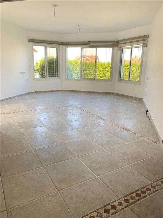 בית פרטי למכירה 3.5 חדרים בקרית שמונה נורית הורדים