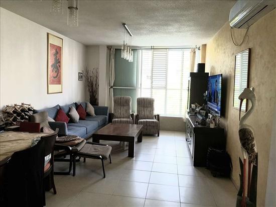דירה למכירה 5 חדרים בחולון צפת קרית שרת