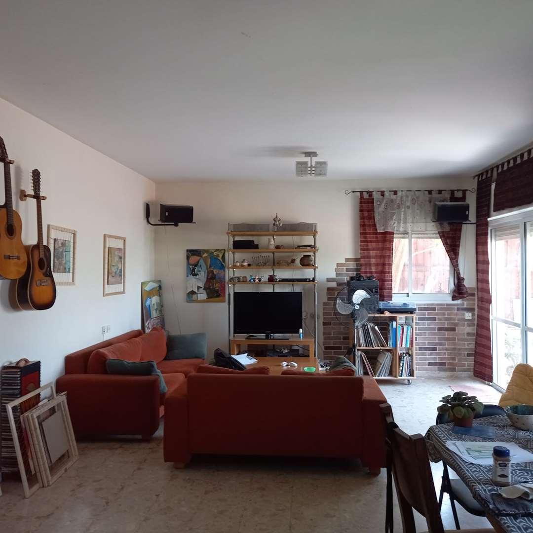 דירת גן למכירה 5 חדרים במודיעין מכבים רעות נחל צין 26