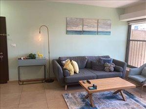 דירה למכירה 4 חדרים בחולון משה דיין
