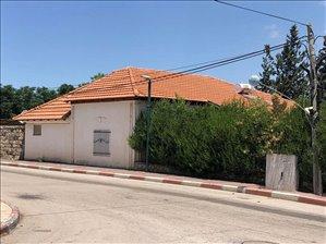 בית פרטי למכירה 4.5 חדרים במנחמיה המייסדים