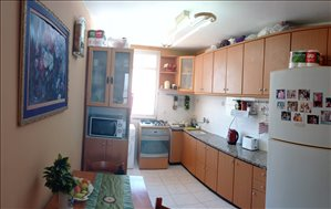 דירה למכירה 3 חדרים בקרית מוצקין ז'בוטינסקי 59