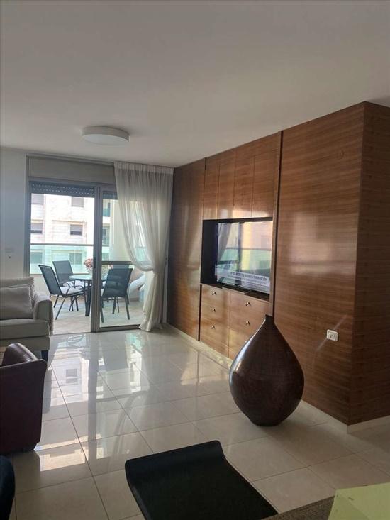 דירה למכירה 4 חדרים בתל אביב יפו יאיר רוזנבלום / סמבורסקי ג החדשה  , אזורי חן