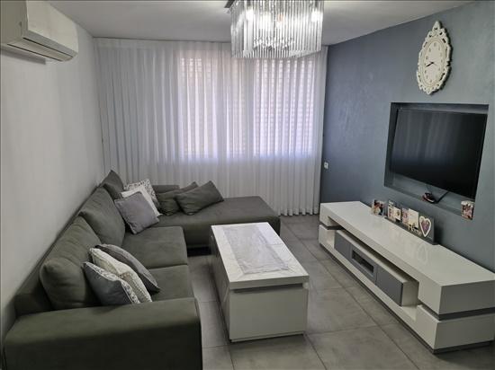 דירה למכירה 4 חדרים בלוד י''א חללי מינכן גבעת הזיתים