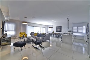 דירה למכירה 5 חדרים בנתניה שדרות ניצה