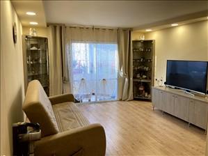 דירה למכירה 4 חדרים בקרית גת שדרות גת