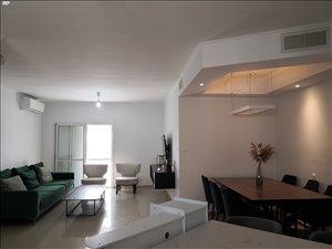דירה למכירה 4 חדרים בבת ים קרן היסוד
