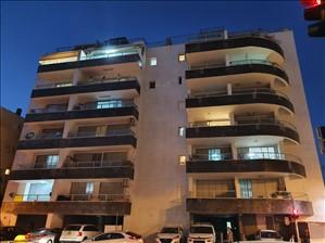 דירה למכירה 4 חדרים בחולון ההסתדרות