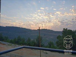 דירת גן למכירה 5.5 חדרים בירושלים מורדות גילה