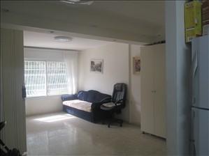 דירה למכירה 3 חדרים בירושלים שדרות לוי אשכול