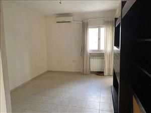 דירה, 2.5 חדרים, רחל המשוררת, ירושלים
