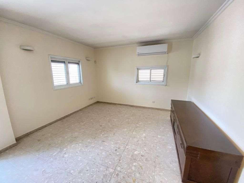 תמונה 2 ,דירה 4 חדרים סמילנסקי ביהח השרון פתח תקווה