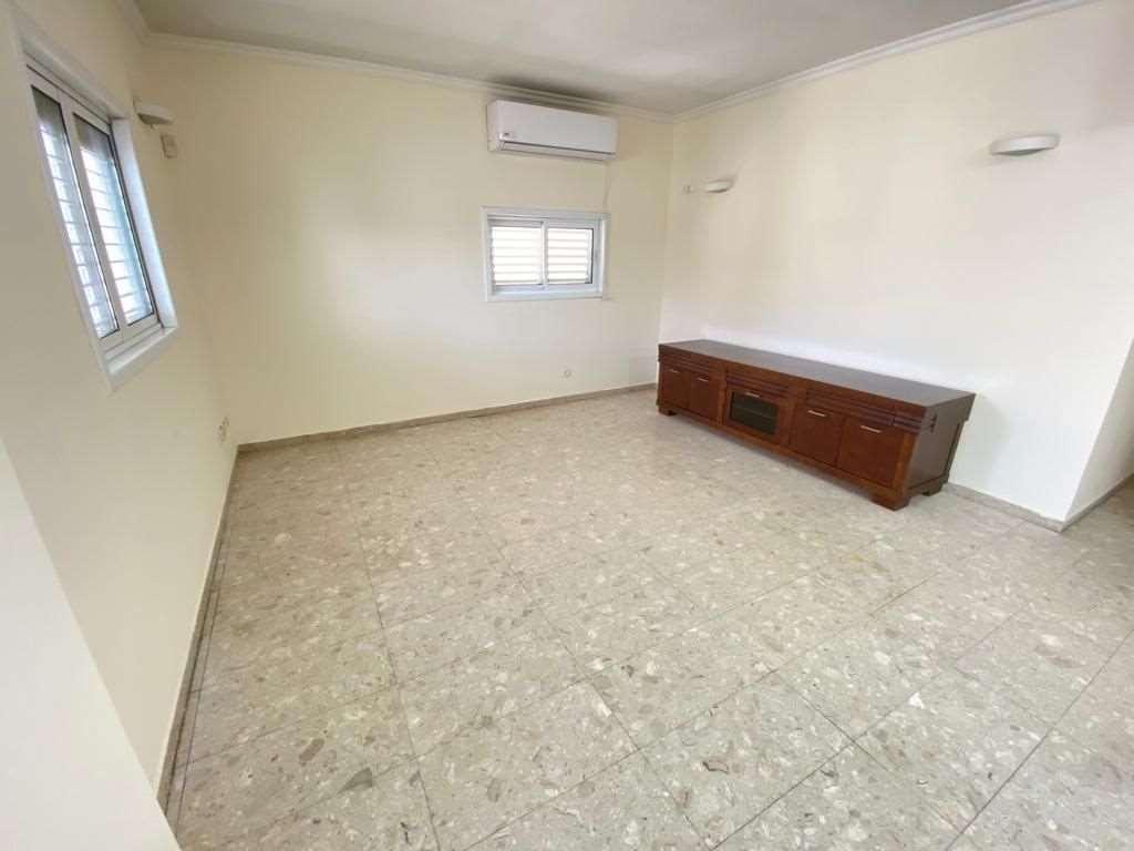 תמונה 3 ,דירה 4 חדרים סמילנסקי ביהח השרון פתח תקווה