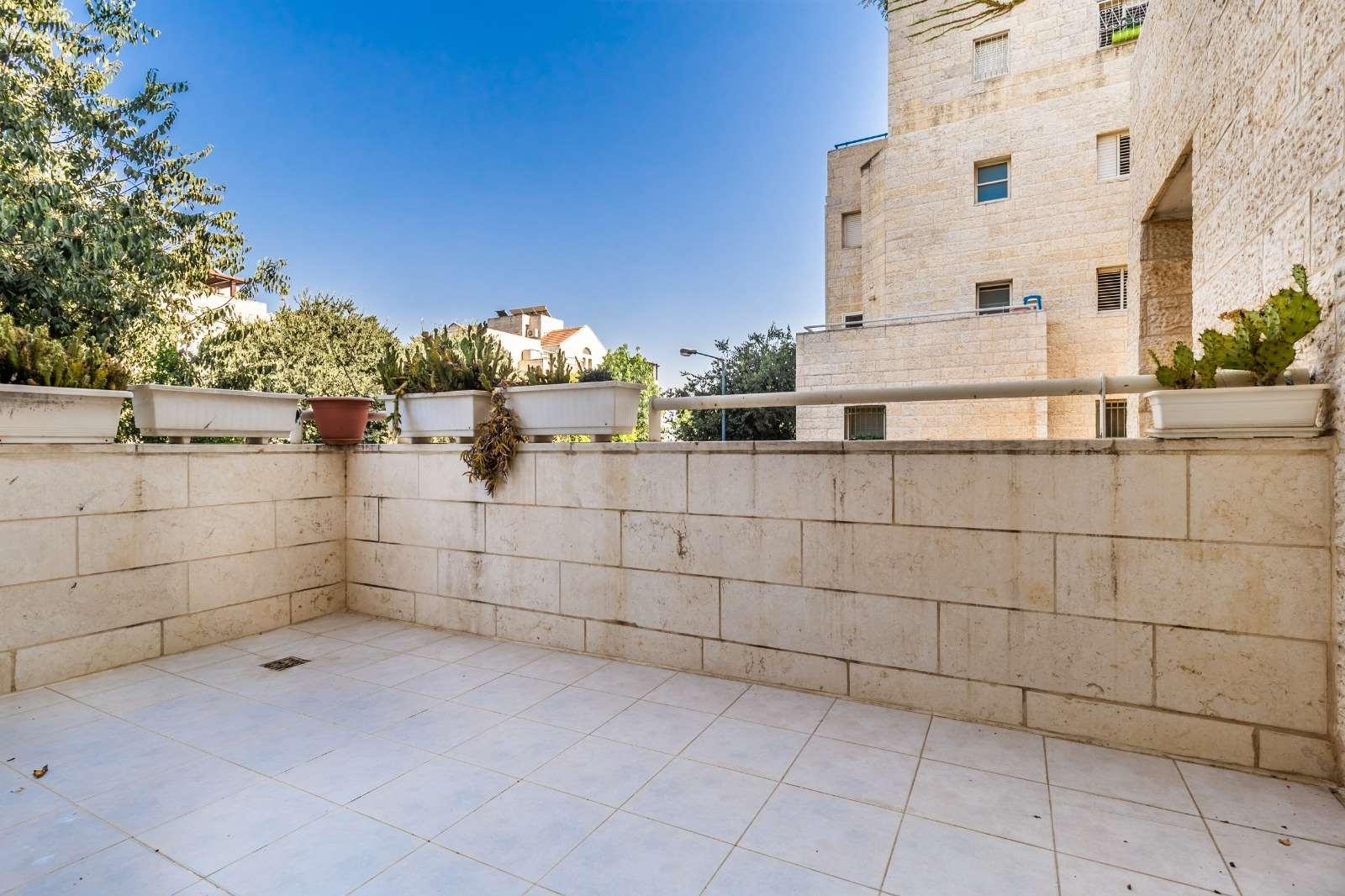 תמונה 3 ,דירה 4 חדרים משה קול בית הכרם ירושלים