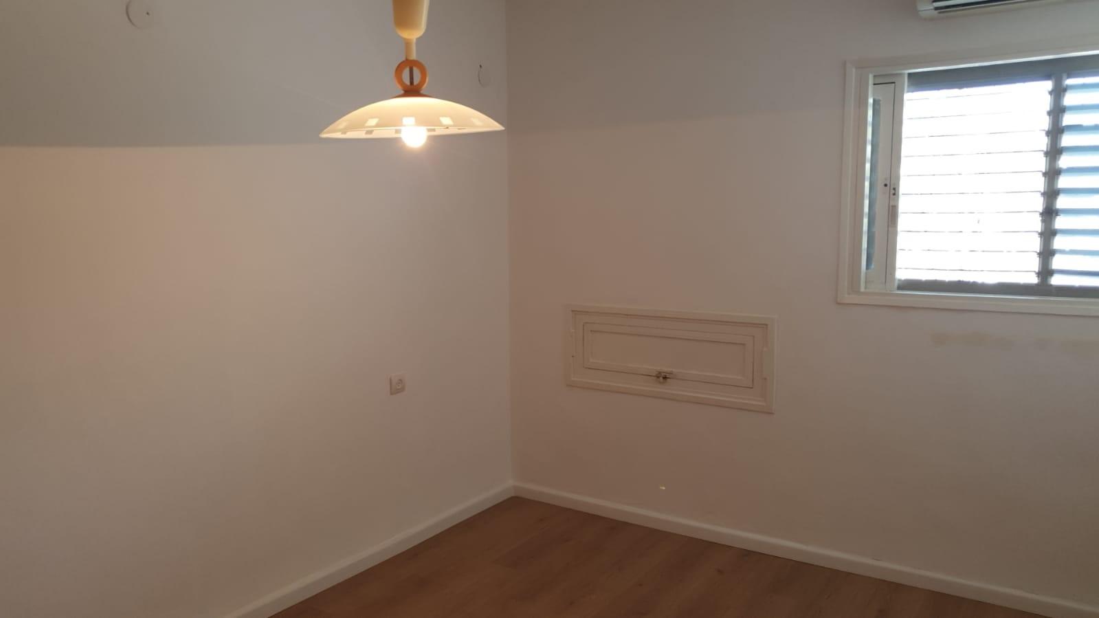 תמונה 2 ,דירה 4 חדרים מעפילי אגוז נוה חן תל אביב יפו