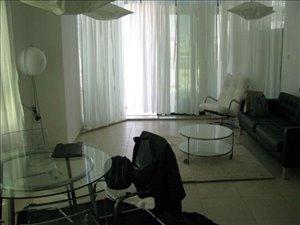 דירת גג להשכרה לנופש ותקופות קצרות 4 חדרים ב,תל אביב עזרא הסופר
