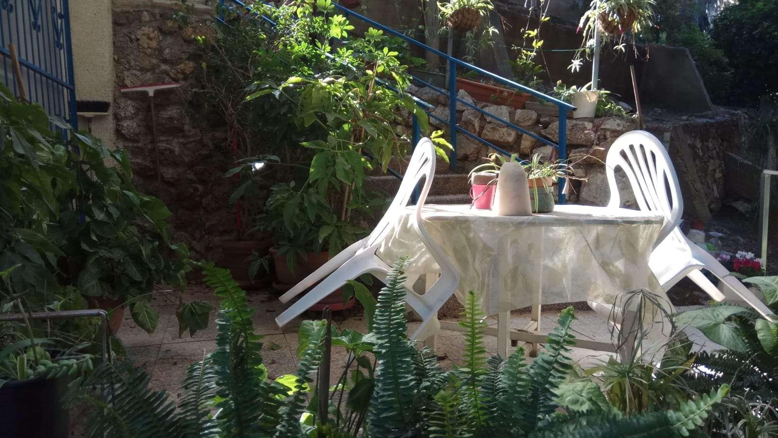 דירת גן להשכרה לנופש ותקופות קצרות 3 חדרים ברג הפרסה
