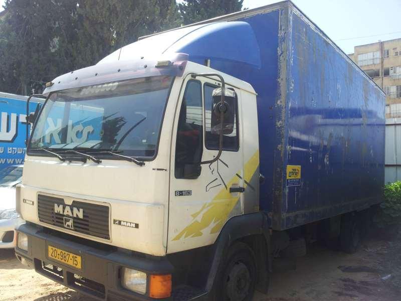 משאיות מאן