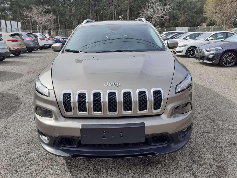 ג'יפ / Jeep  צ`ירוקי 2018 יד  3