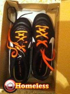 ביגוד ואביזרים - נעלי ספורט
