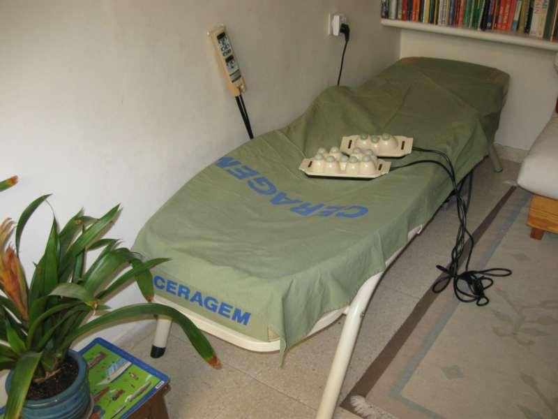 אלטרנטיבי - מיטת טיפולים