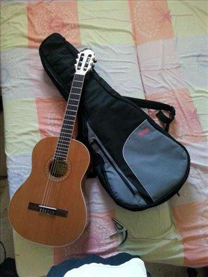 כלי נגינה גיטרות 1