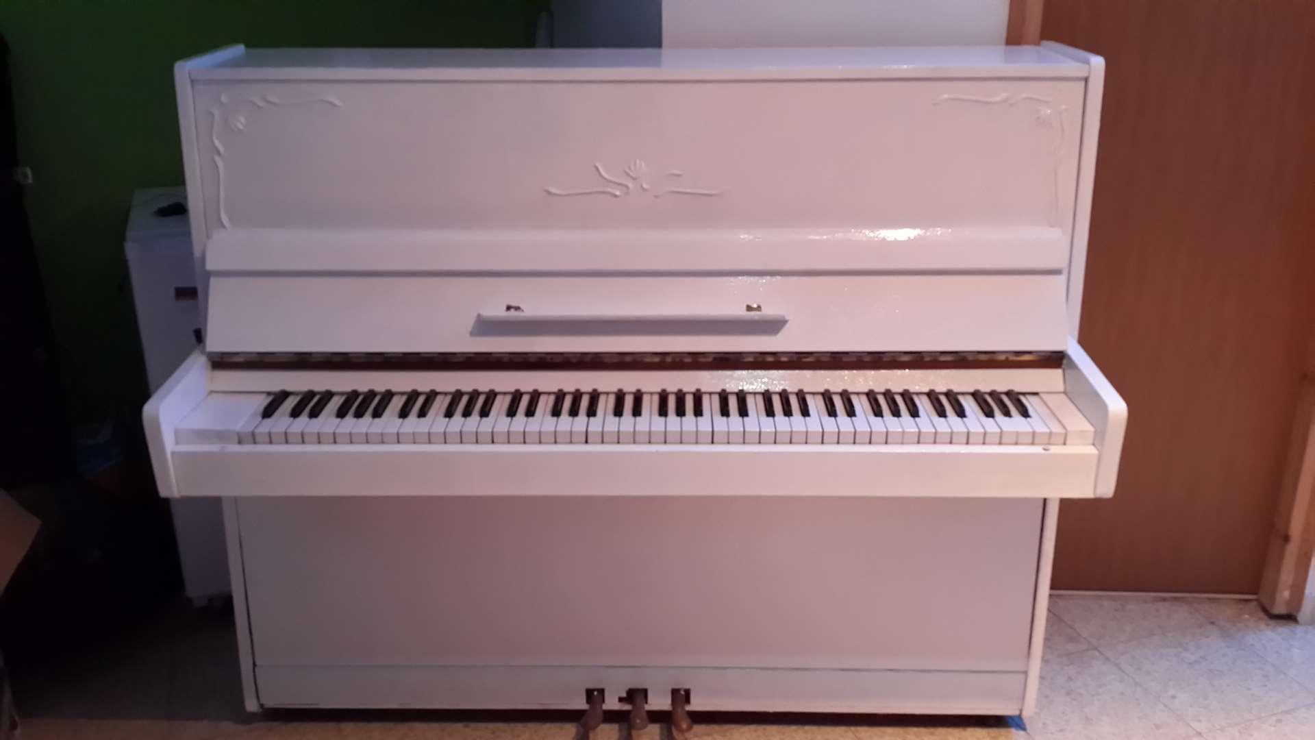 כלי נגינה פסנתר 16