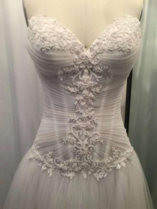 שמלת כיווצים נסיכתית